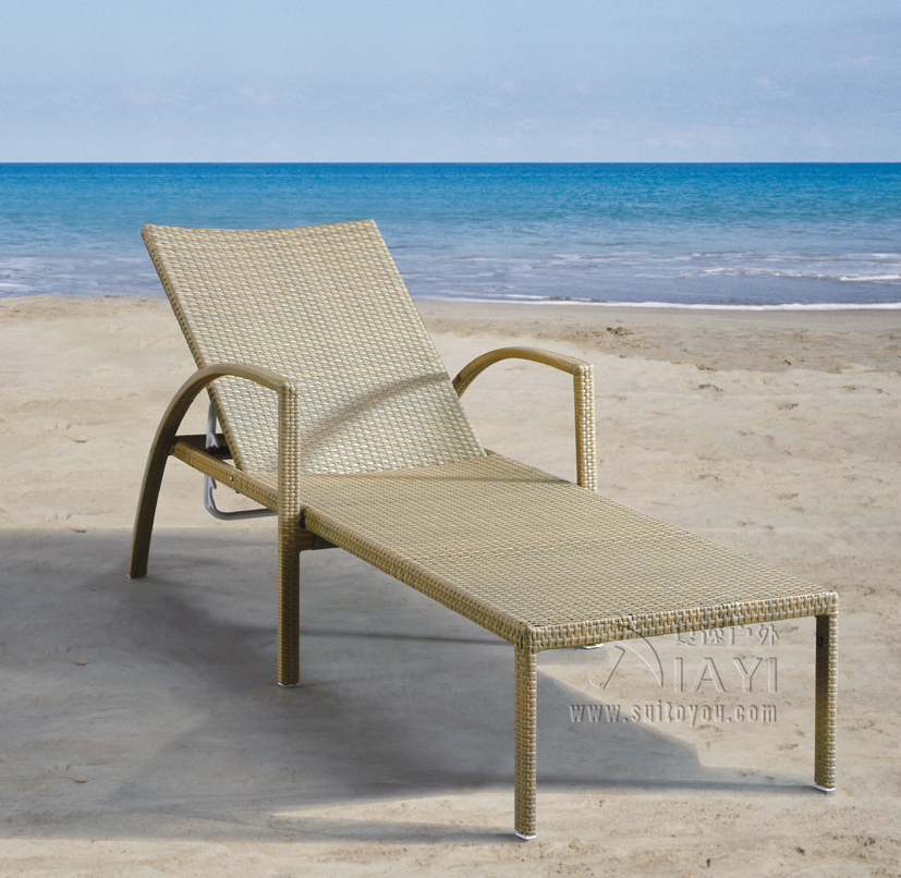 SY-3005 PE rattan lounger