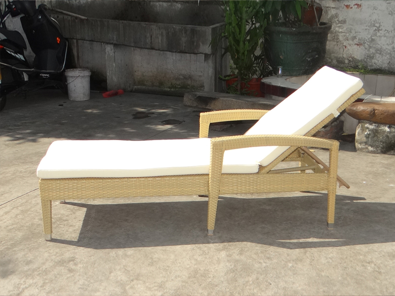 SY-3087 PE rattan lounger